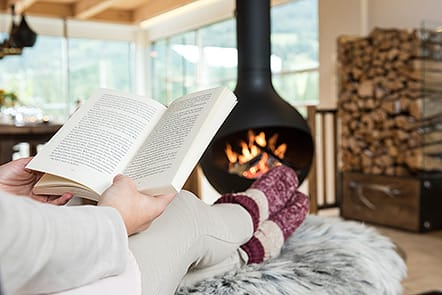 Zeit zum Lesen in den Luxuslodge Chalets, Foto: www.luxuslodge.at